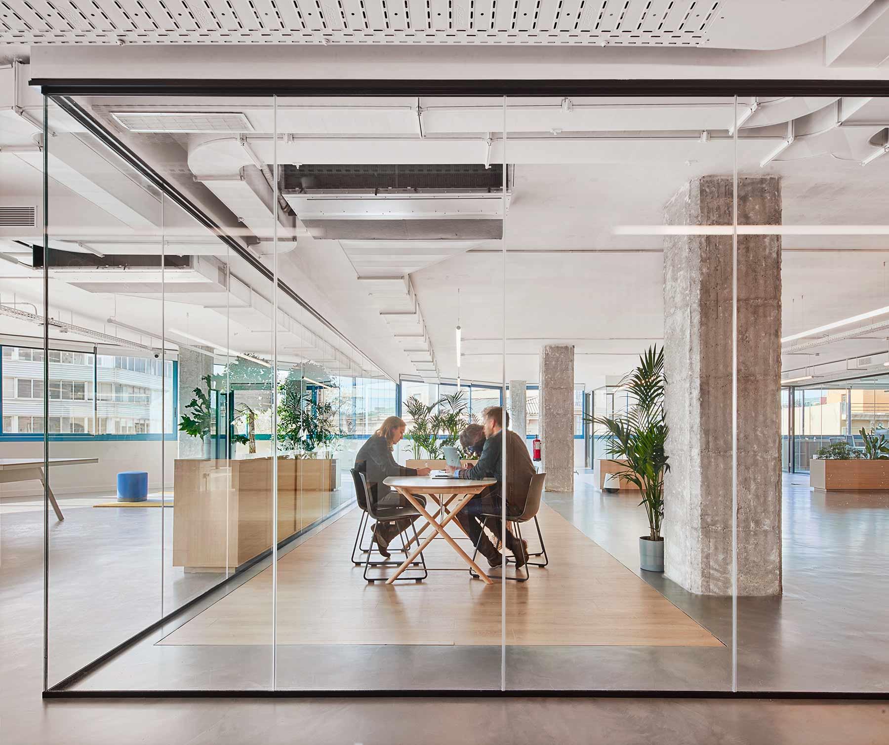 un edificio con una alta presencia de empresas vinculadas a la creatividad y a las nuevas tecnologías.